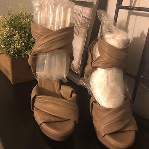 Burberry Nude leather heels